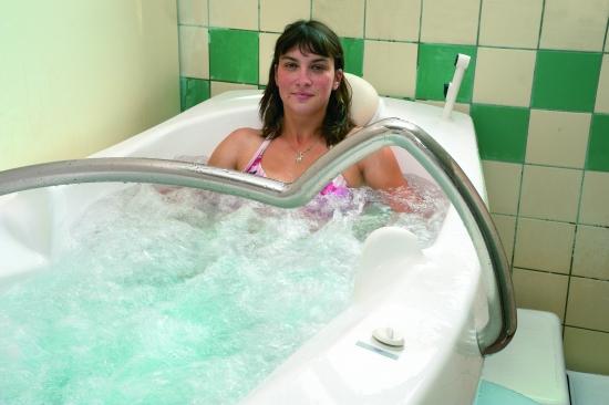 v2-baignoire-evaux-les-bains-credit-phot